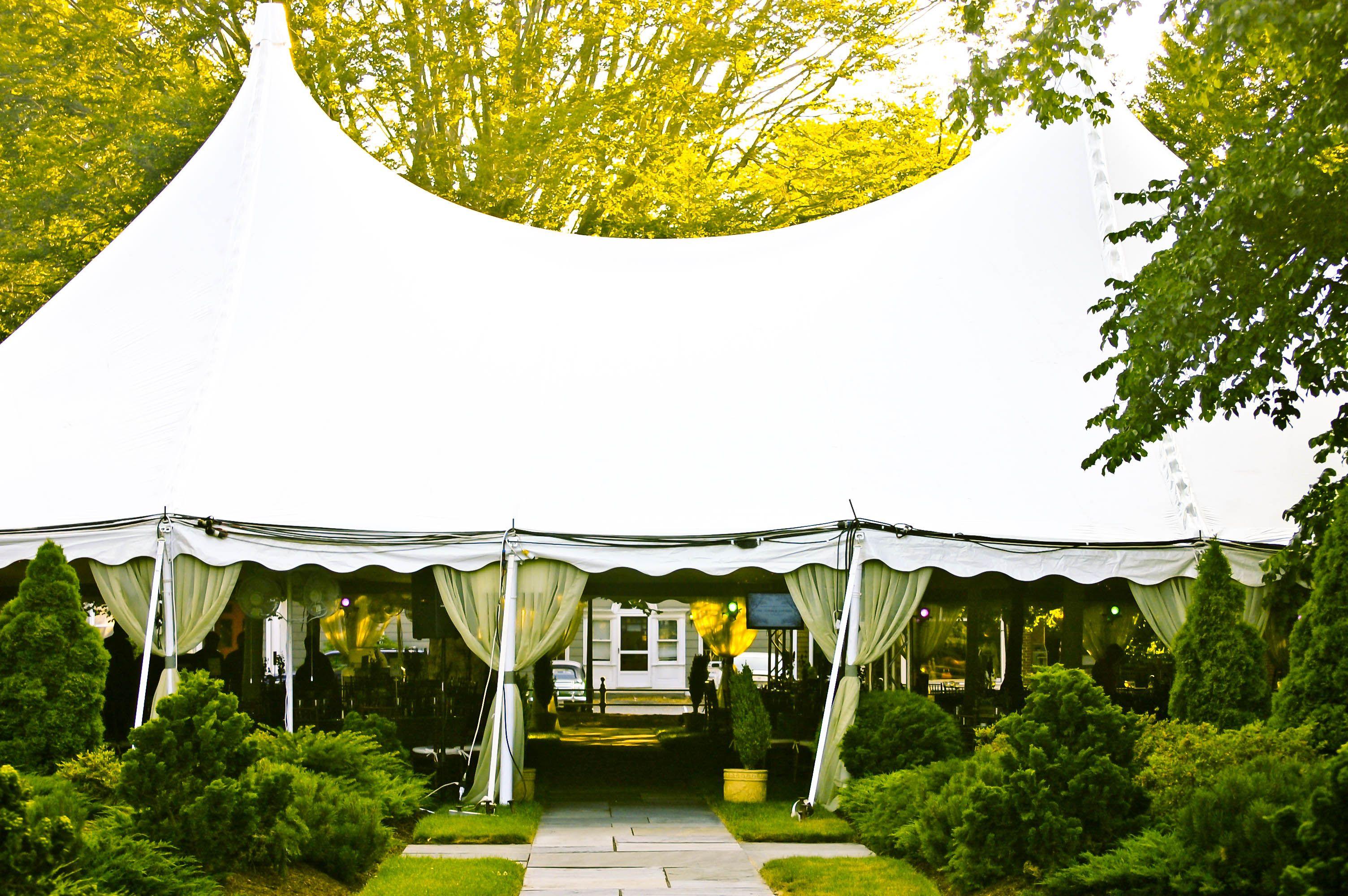 Tent Newport Tent Company .newporttent.com Venue Redwood Library & Tent: Newport Tent Company www.newporttent.com Venue: Redwood ...