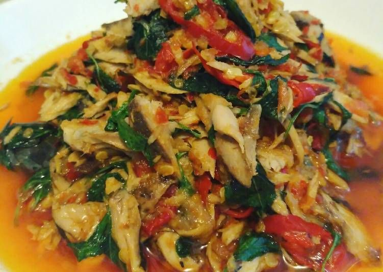 Resep Tongkol Suwir Daun Kemangi Oleh Miya Mikayla Resep Resep Masakan Masakan Resep Makan Malam