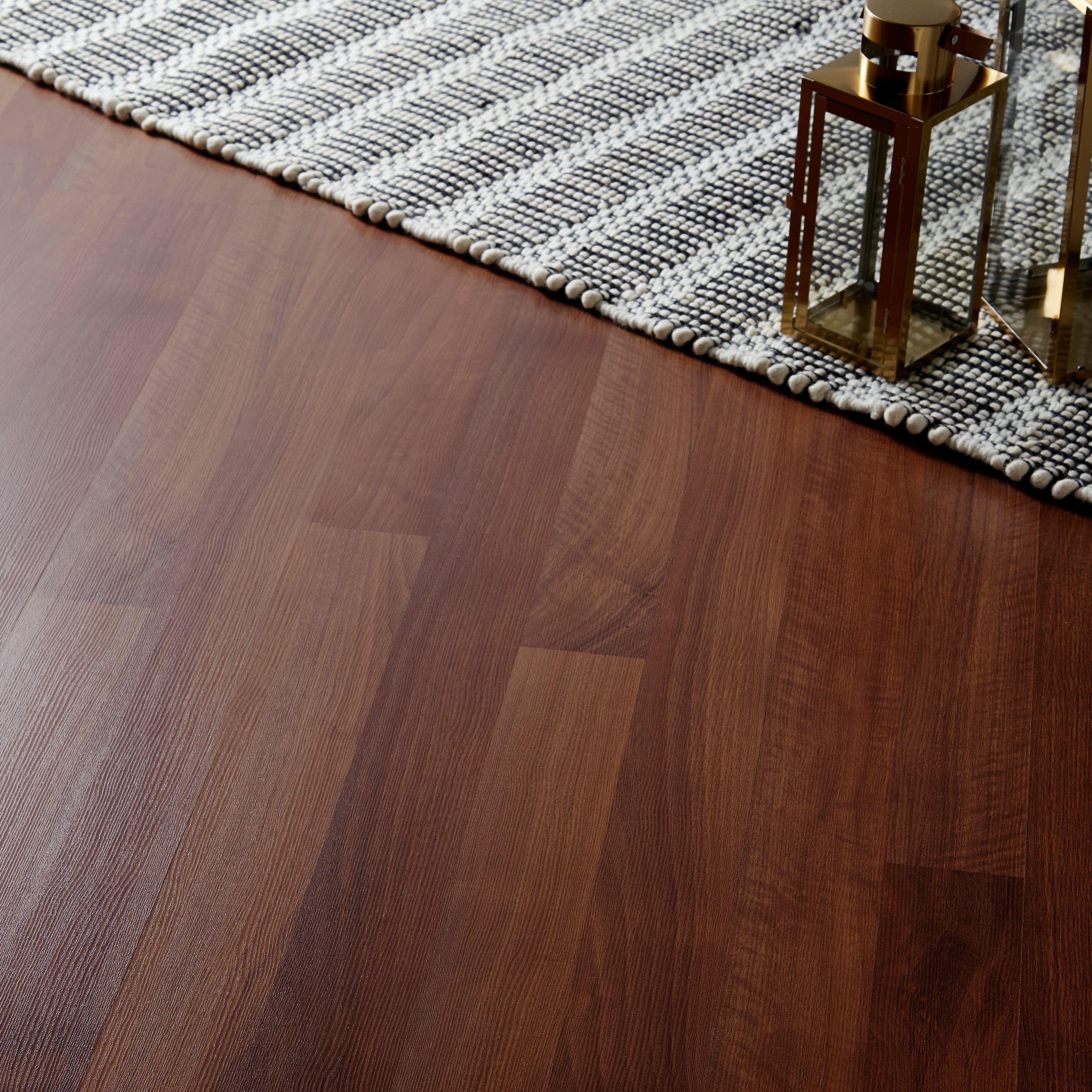 GoodHome Geraldton Natural Walnut Effect Laminate Flooring