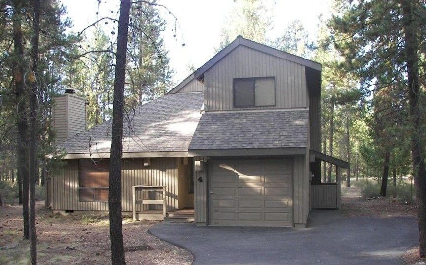 House Vacation Rental In Sunriver From Vrbo Com Vacation Rental Travel Vrbo House Rental Sunriver Vacation Rental