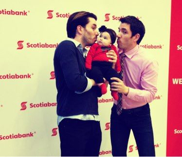 Jonathan and Drew Scott meet and Greet with an adorable baby! :)