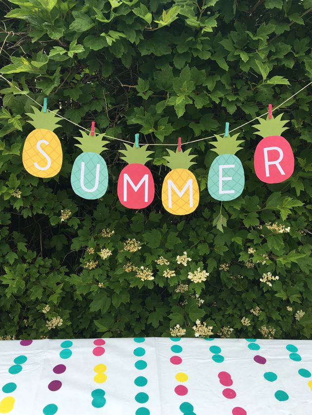 Summer Banner Printable My Sister S Suitcase Packed With Creativity Summer Banner Printable Summer Party Decorations Summer Diy