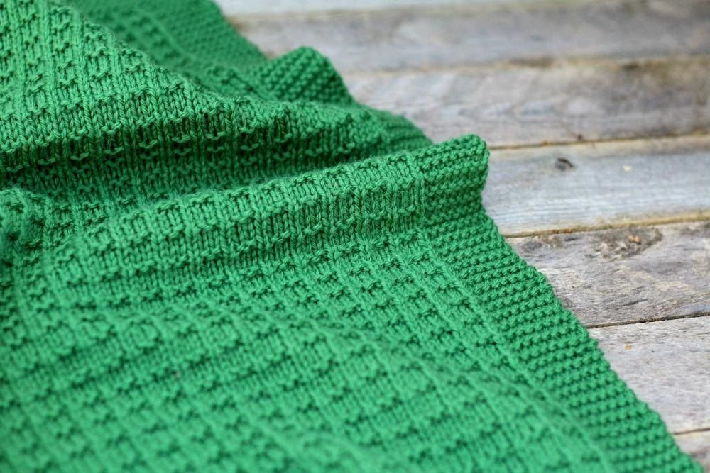 Cambrie Knit Blanket Worsted Knitting pattern by Freya