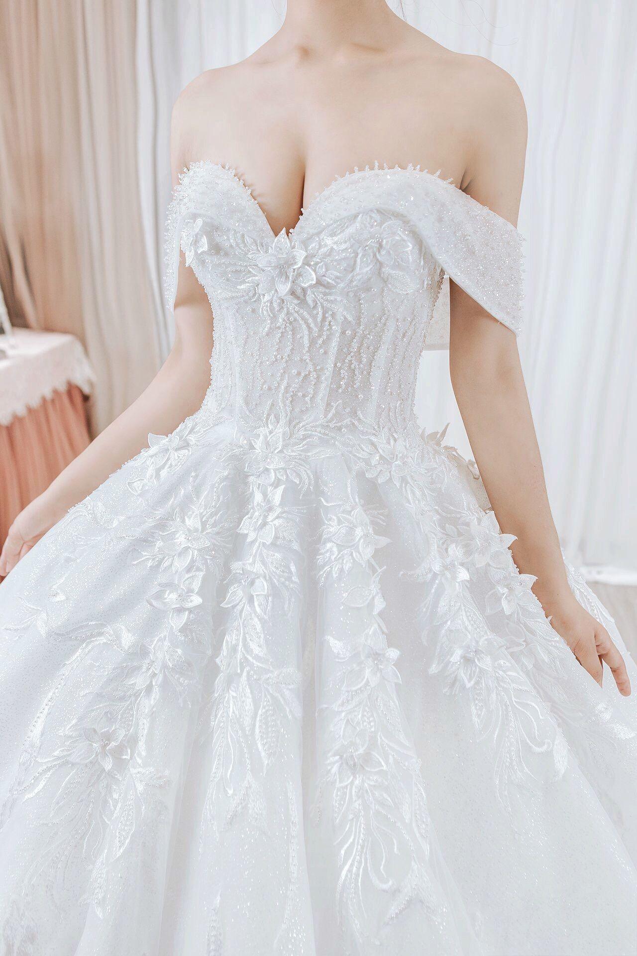 Dramatic Ballgown Wedding Dress Wedding Dress Couture Couture Wedding Dress Ballgown Ball Gown Wedding Dress