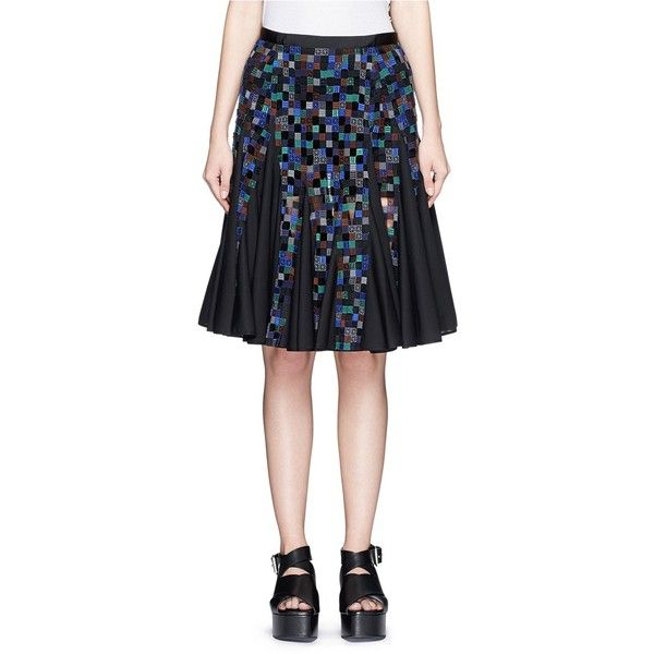 Sacai Gridwork bobbin lace flare skirt ($1,230) ❤ liked on Polyvore featuring skirts, black, black knee length skirt, lace circle skirt, lace skater skirt, black circle skirt i black flared skirt