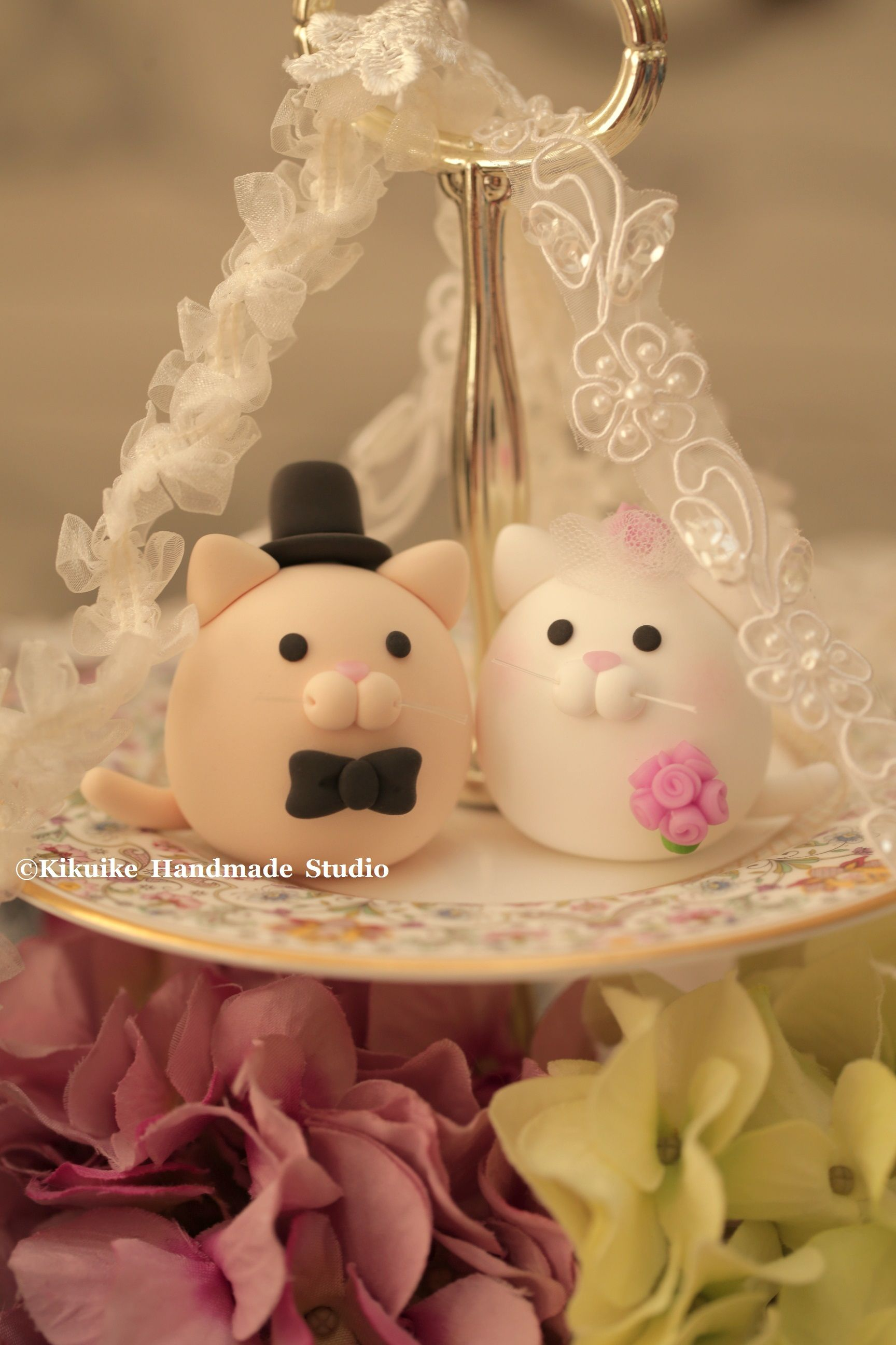 kitty and Cat wedding cake topper | Wedding ideas! | Pinterest ...