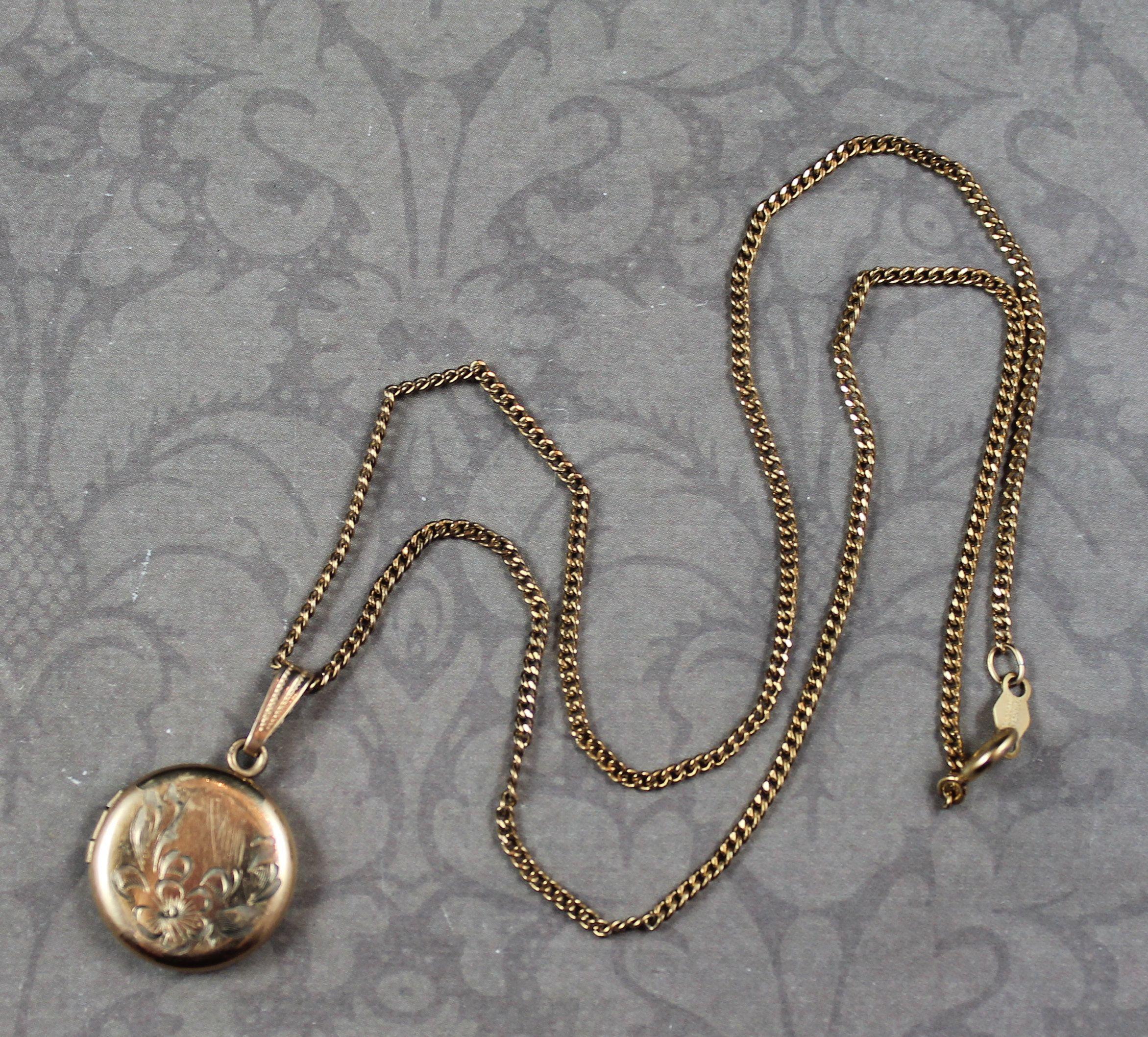 VVintage Locket Necklace 2 Strands