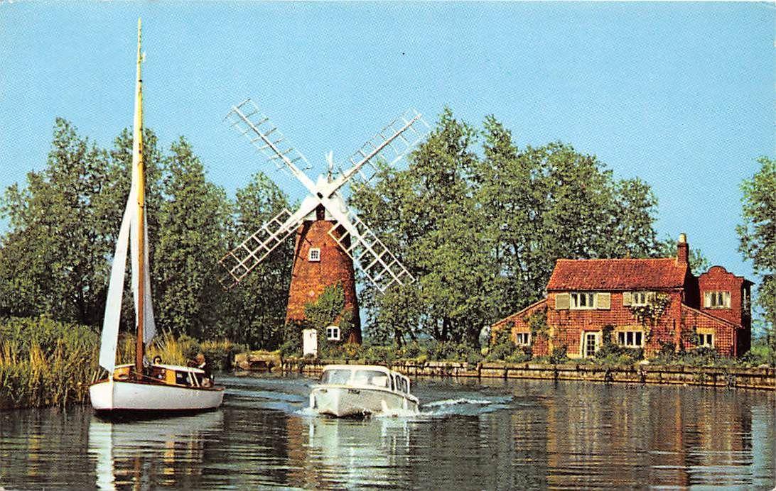 Hunsett Mill Norfolk Broads Boats Bateaux Windmill Muehle