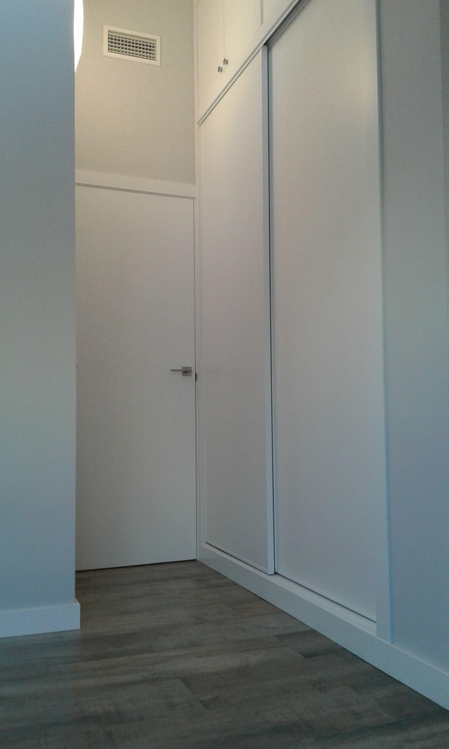 En El Dormitorio Hemos Aprovechado La Zona De Mayor Altura  # Muebles Para Buardillas