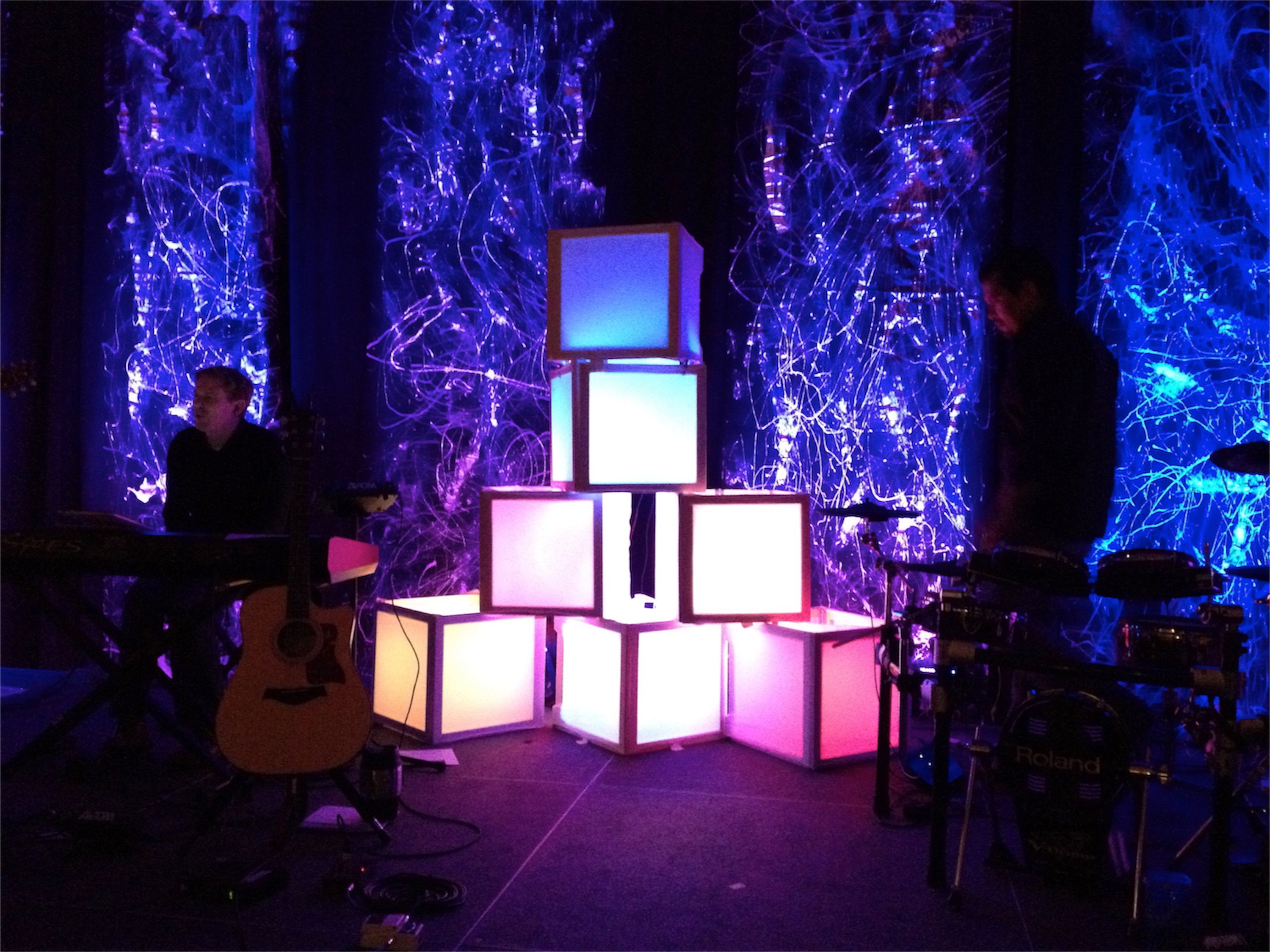 cube light stage design for cap kids stage designput orange or turqoise lighting in the cubes - Concert Stage Design Ideas