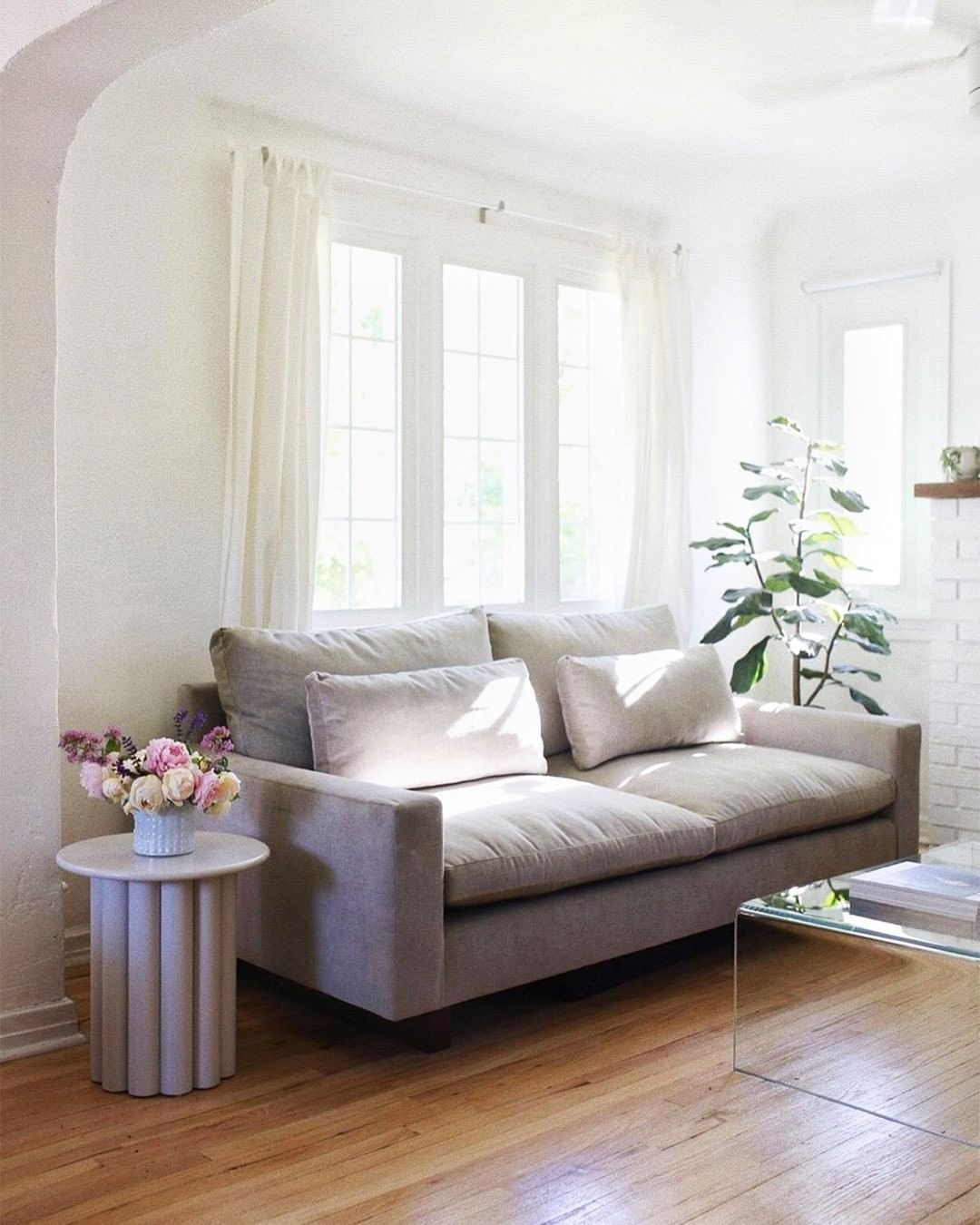 West Elm Furniture Decor On Instagram Lindsaygraviet S Charming Living Room With Our Harmony Sofa H Home Living Room West Elm Furniture West Elm Couch