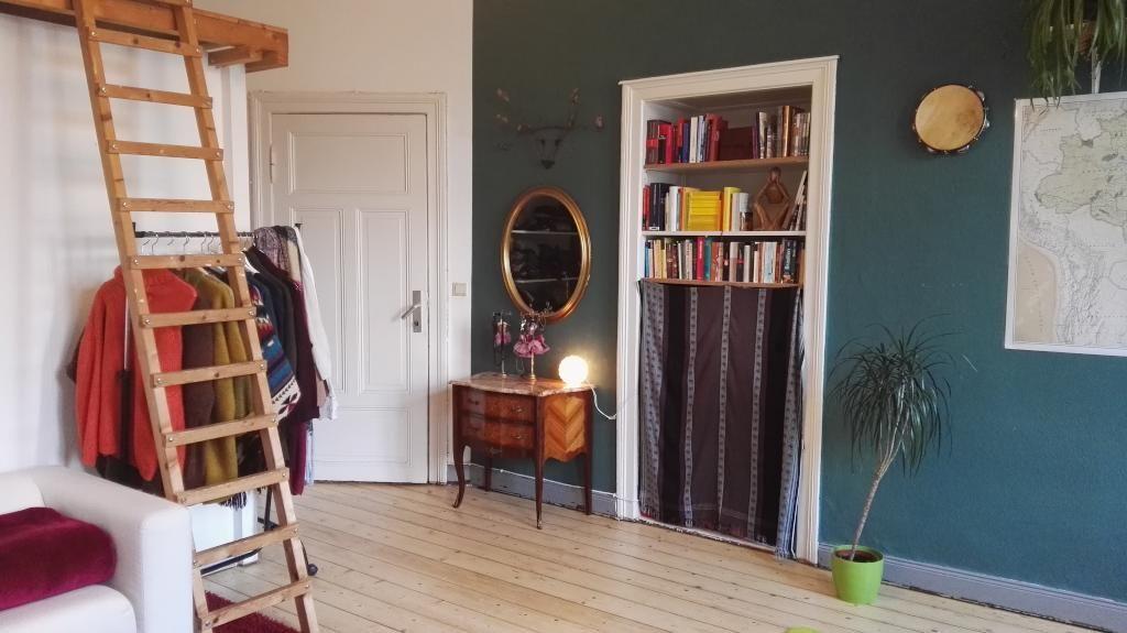 ein sch nes vintage zimmer mit dielenboden und hochbett wg zimmer einrichtung hochbett. Black Bedroom Furniture Sets. Home Design Ideas