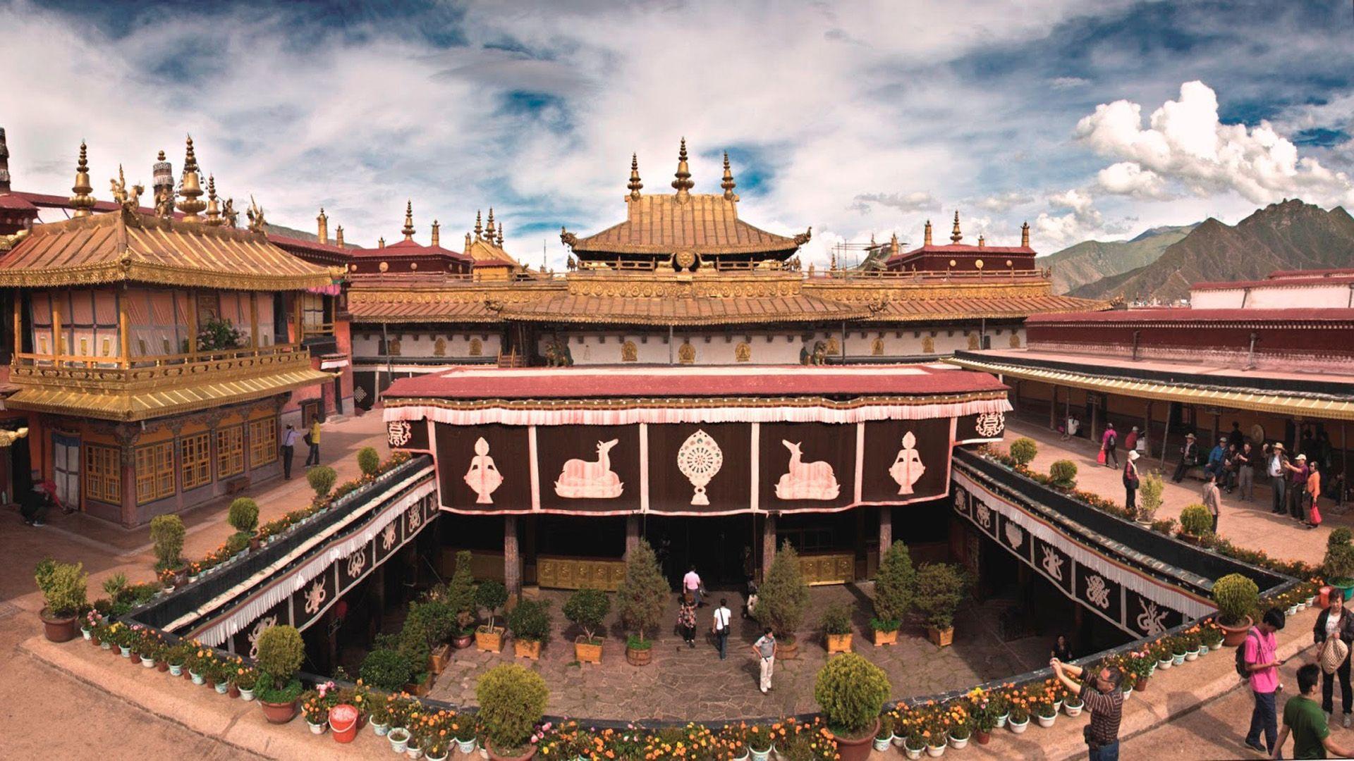 Jokhang Temple Lhasa Tibet China Tibet Unesco World Heritage Travel