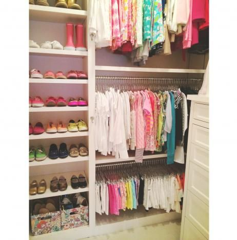 A Perfectly Organized Kidu0027s Closet #organize