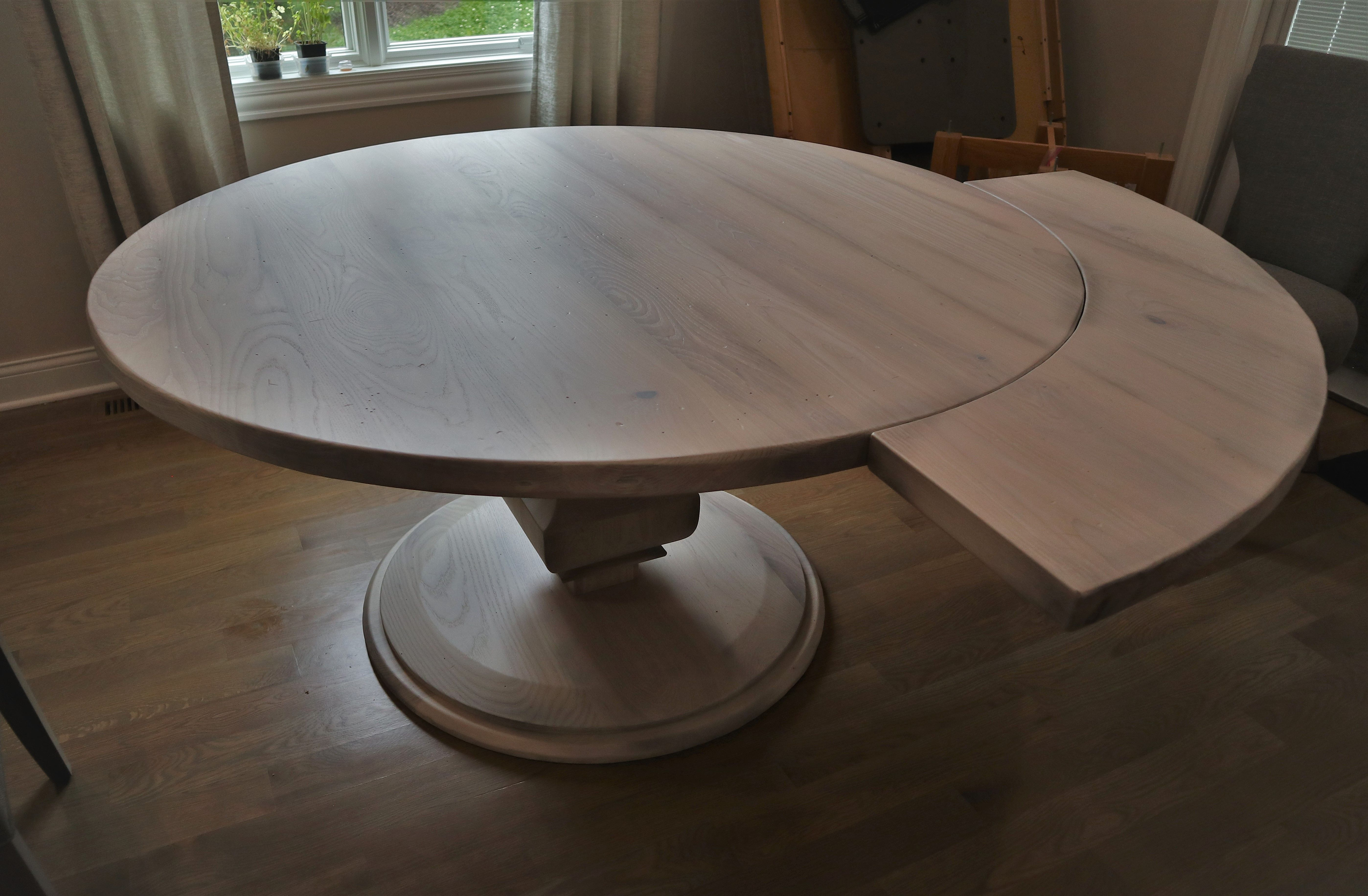 One Way To Keep A Round Table Round While Adding Additional Length Is To Go With Perimeter Leaves Only One Attache Circular Dining Table Stained Table Table