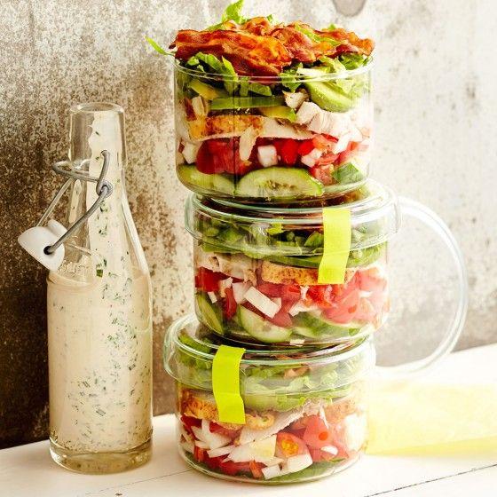schichtsalat mit sauerrahm dressing rezept arbeitsessen pinterest salat dressing und. Black Bedroom Furniture Sets. Home Design Ideas