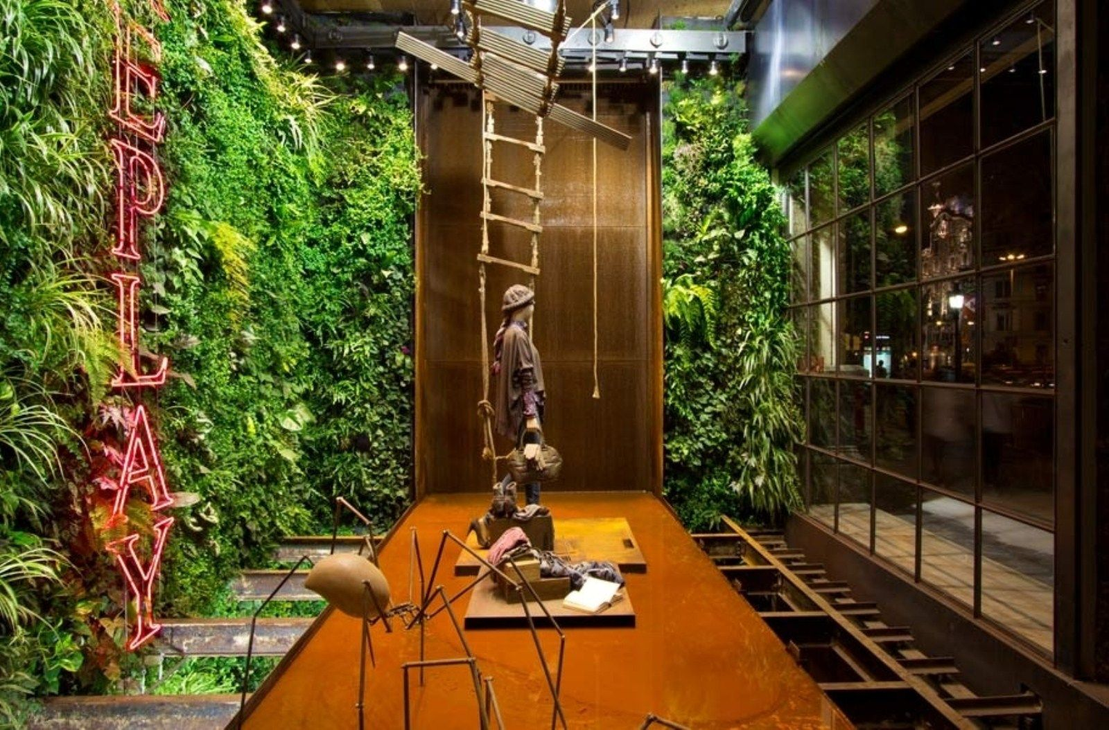 Attractive Adorable Indoor Home Garden Idea With Statue Decor And Living Green Wall Home  Garden Ideas And