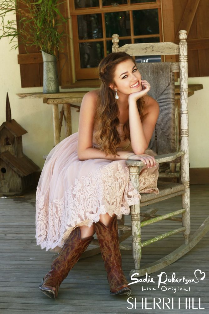 Put some sleeves on it and you\'ll have gorgeous! Sadie Robertson\'s ...