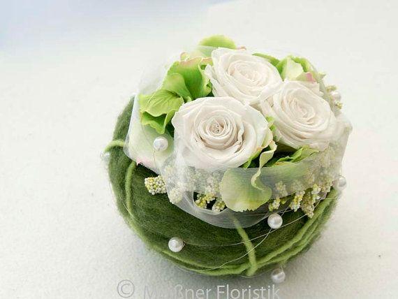 Gesteck Kugel Tischdeko Hochzeit Grun Weiss Selber Machen Flowers