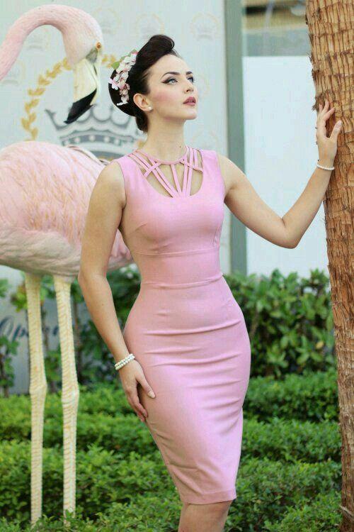 Pin de ورد البيلسان en ldda van | Pinterest | Armario, Rosas y Belleza