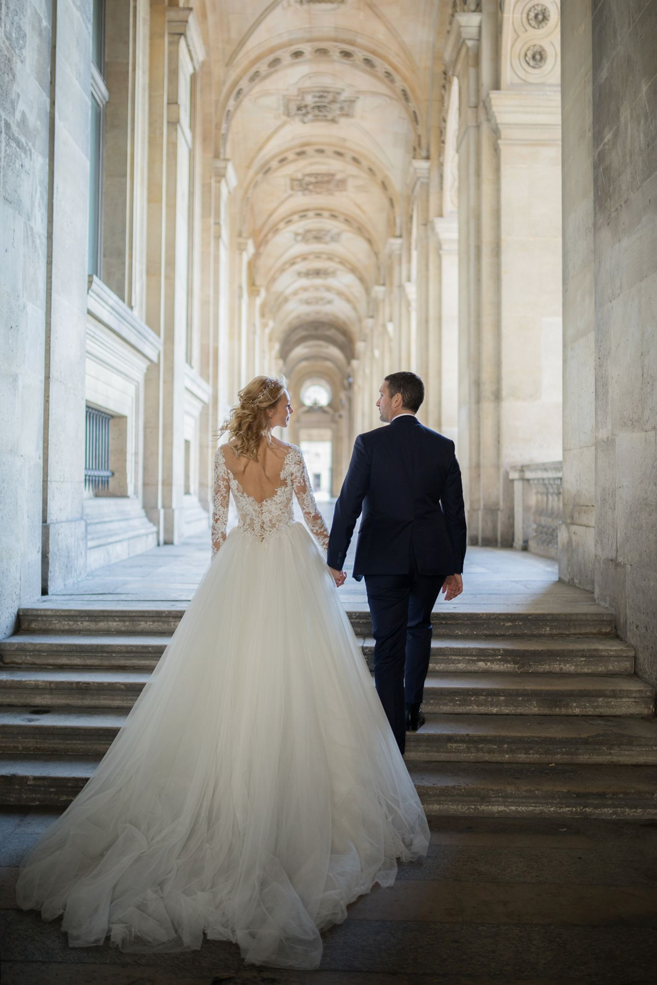 PronoviasBrides tie the knot in style. What better way to