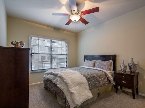 303 477 9205 1 4 Bedroom 1 3 Bath Commons Park West Apartments 1550 Platte Street Denver Co 80202 Apartments For Rent Home Decor Furniture
