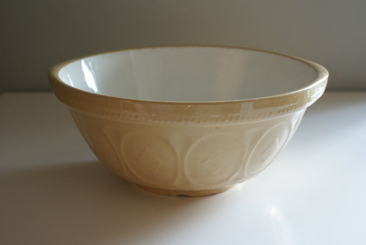 Vintage T G Green 8 1 2 Gripstand Mixing Bowl Yellow Ware