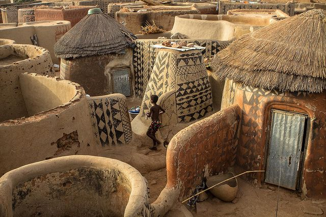 Gurunsi villages, Tiebele, south of Burkina Faso   Flickr - Photo Sharing! Photo by Anthony Pappone, photographer.