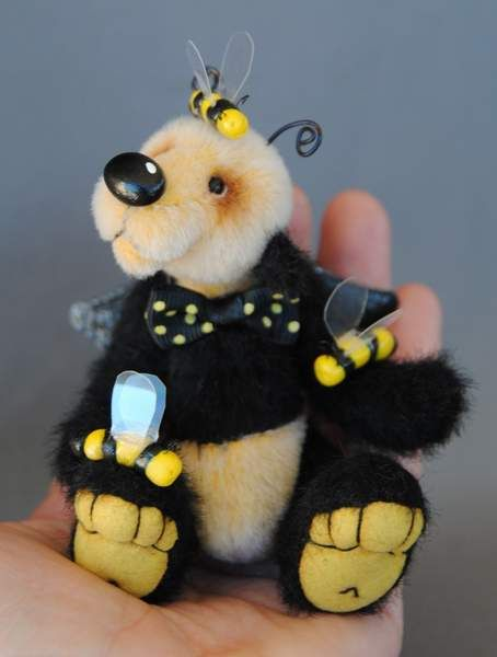 VICTA by Bears by Becca