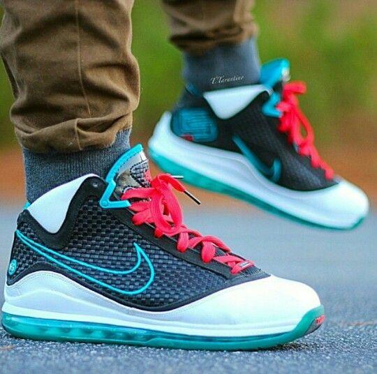 8f39c835cf9ed Nike LeBron 7