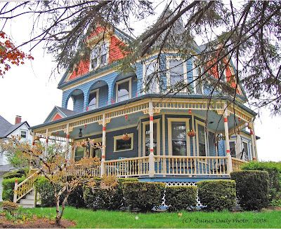 Sunny Words Victorian Homes Victorian Style Homes Victorian Architecture