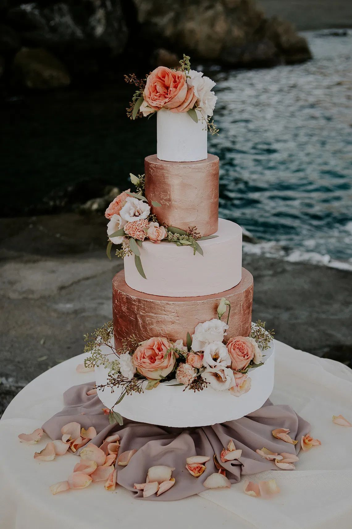 10 Tips For Making Your Own Wedding Cake In 2020 Rose Gold Wedding Cakes Pretty Wedding Cakes Classy Wedding Cakes
