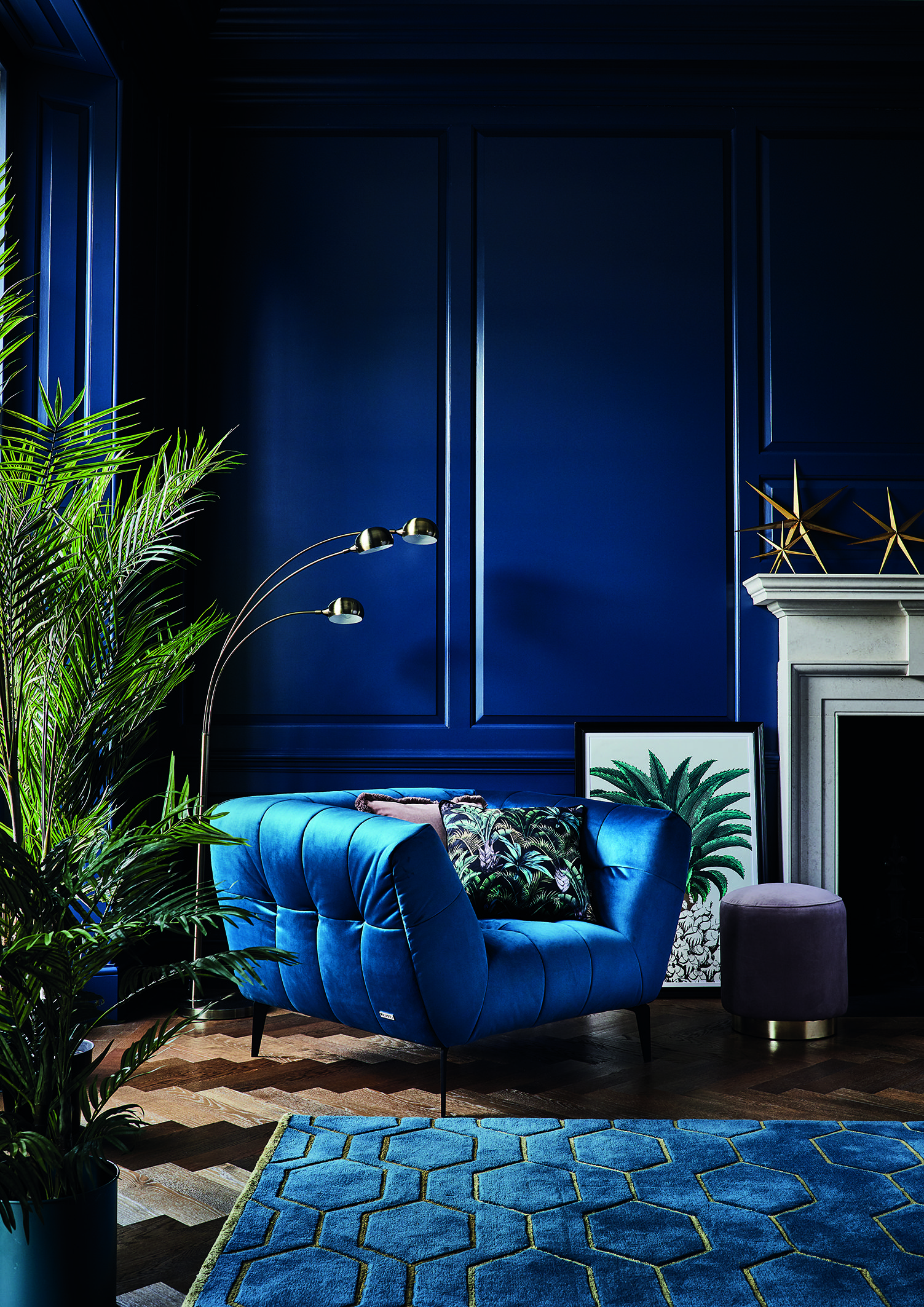 Update your interior for autumn 2018 with our luxurious Midnight Tropics trend. Bold blue velvets meet sleek gold metallics for an opulent vibe. #artdecointerior