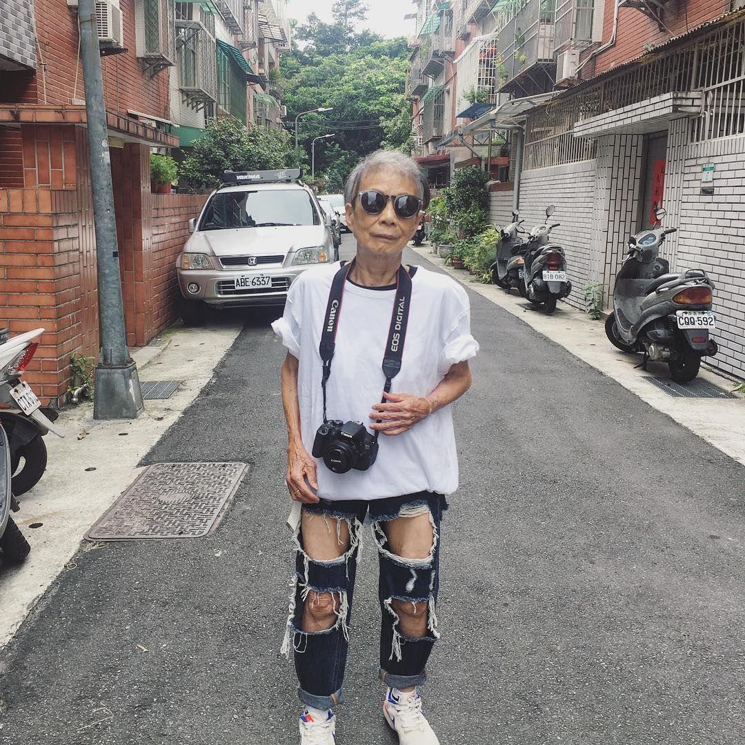 mujeres mayores de 50 Moon Lin