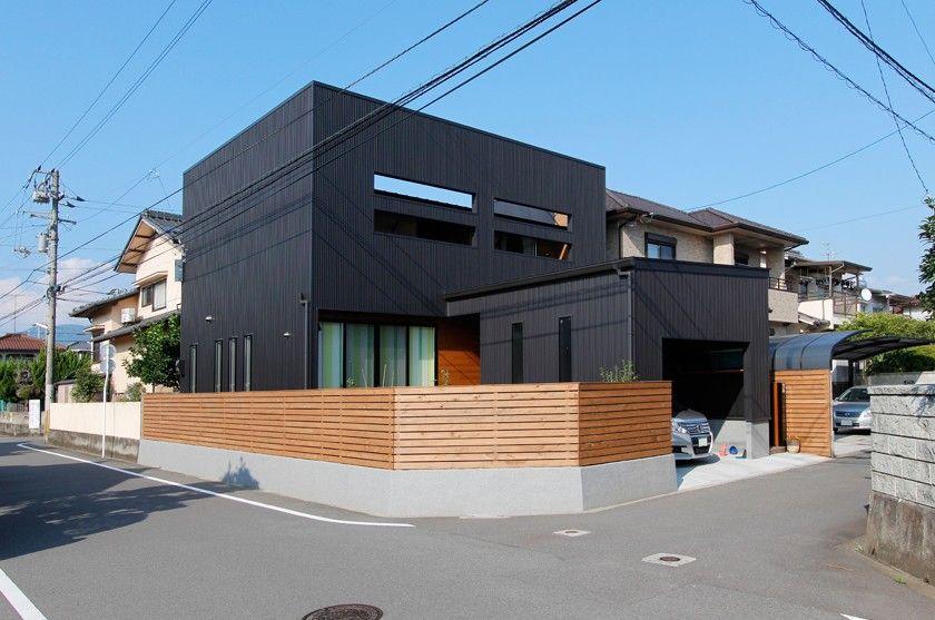 外観 黒と木の家 ホーム 住宅メーカー デザイン