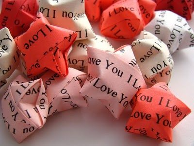 oragami hearts. i need more. lots and lots more.