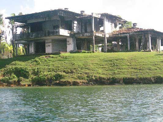 Pablo Escobaru0027s Mansion, Lo Que Queda De La Mansiòn De Pablo Escobar En La  Hacienda
