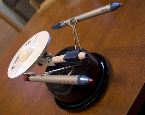 Star Trek Craft Build The Enterprise From Office Supplies Cds Pens Paper Clips This Is Cool