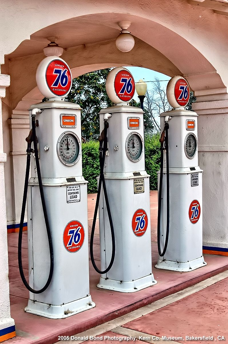 Vintage Union 76 Gas Pumps At The Kern County Museum In