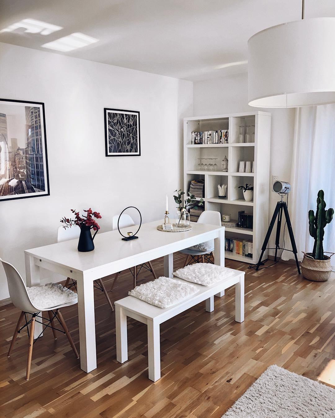 White Living In Diesem Wunderschonen Esszimmer Stimmt Einfach Jedes Detail Weisse Mobel Kombiniert Mit Ska Wohnung Einrichten Ideen Wohnung Esszimmer Wohnung