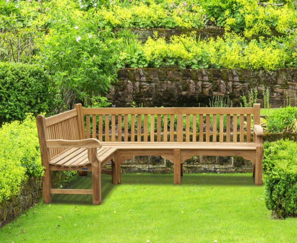 Timeless Wooden Garden Benches Check more at http://www.wearefound ...