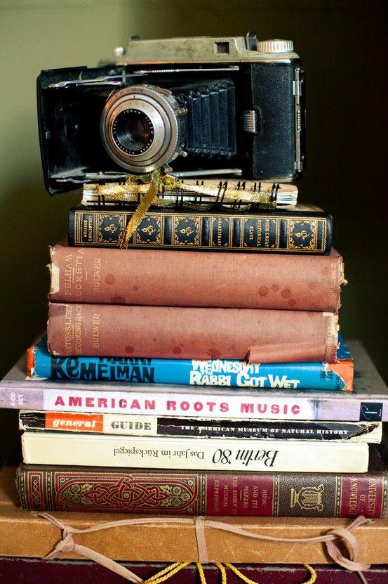vintage camera (polaroid pictures display heart)   Polaroid