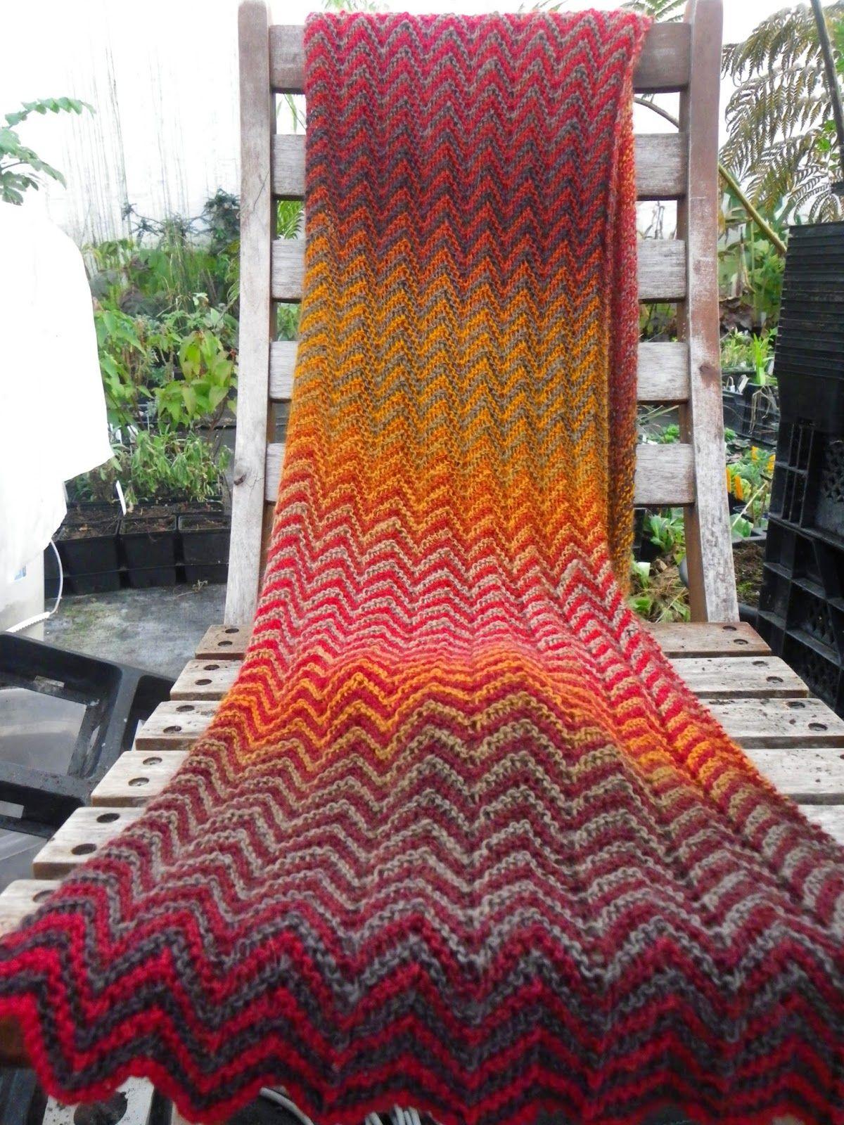 Mein Wollladen: Einfach, aber sehr effektiv - ZickZack-Schal ...