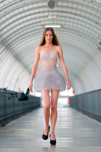 Iris Van Herpen la collezione 2014 2015 con la stampa 3D  06