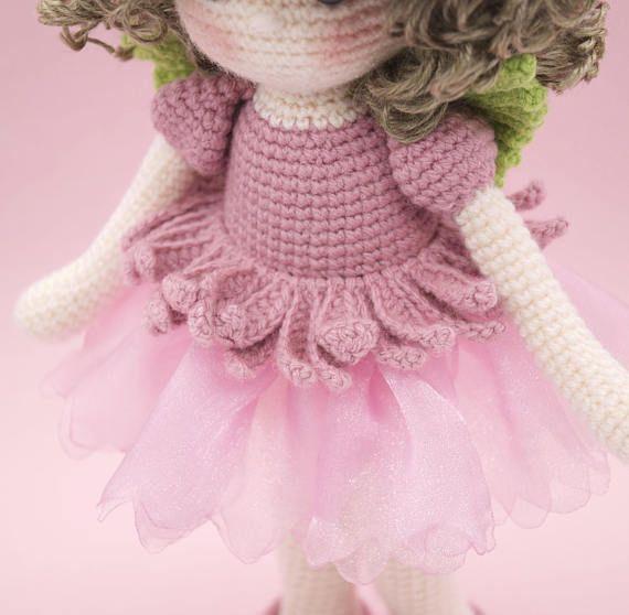 Boneca amigurumi dama de honra daminha festa quartinho no Elo7 ... | 558x570
