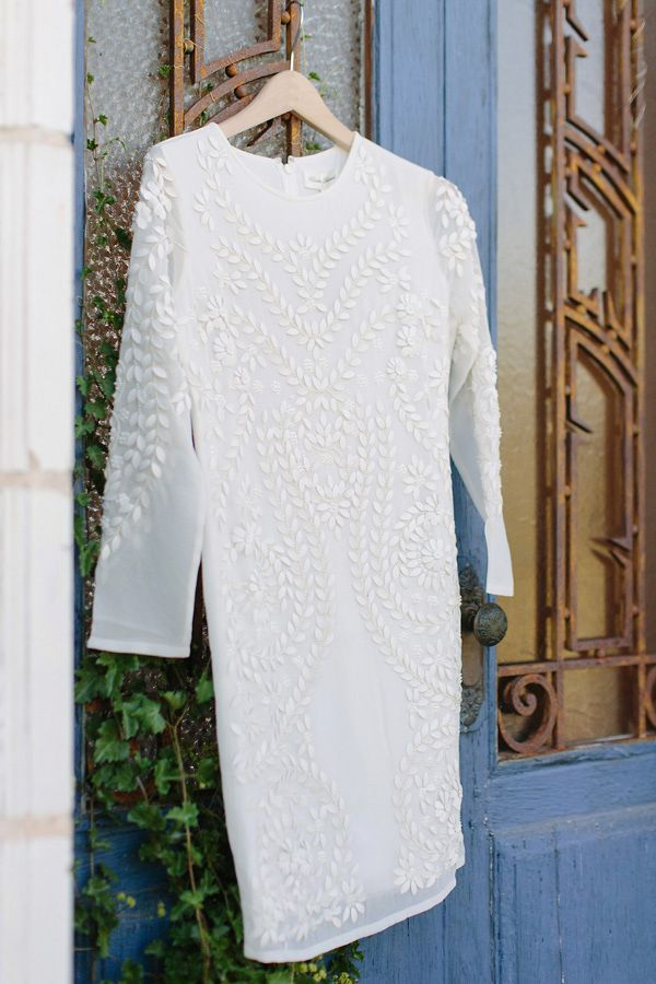 valkoinen mekko juhliin