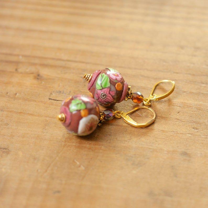 Boucles doreilles rétro rose foncé fleurs, Cadeau anniversaire mariage, Style victorien ancien vintage, Dormeuses laiton bronze