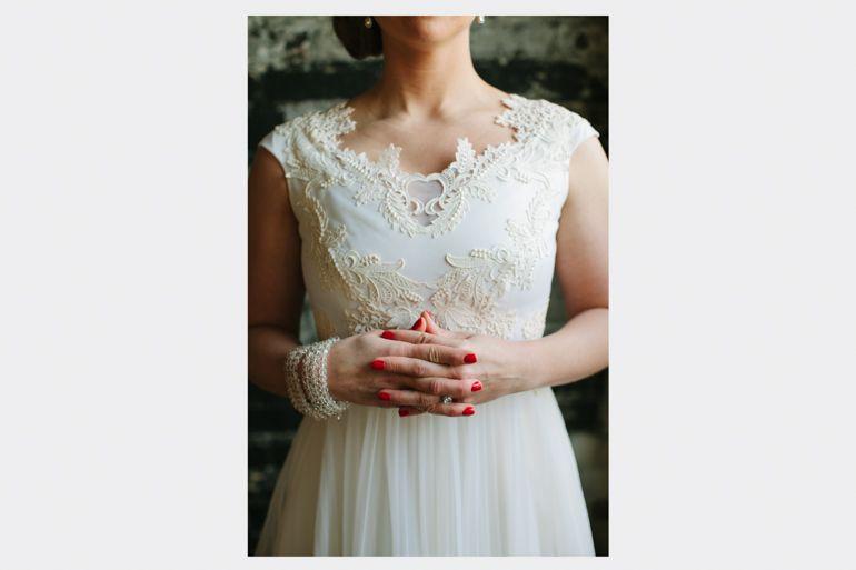 Vintage wedding dress - wore her mom\'s wedding dress. A Most Rad ...