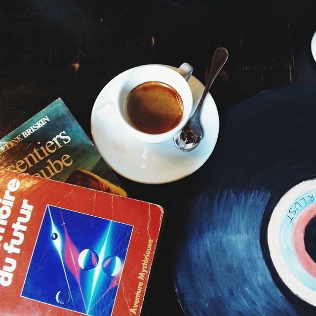 Throwback to an adventurous day with woziee ❤  #coffee #music #books #photooftheday #adventurers