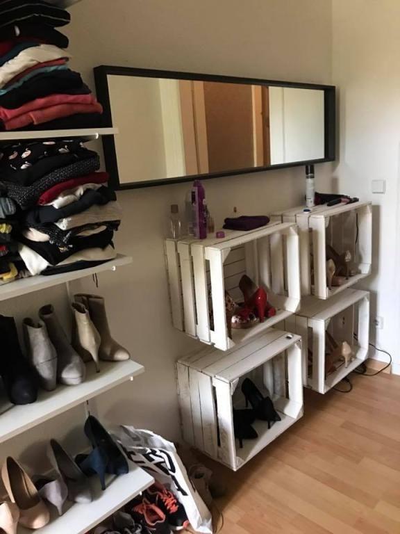 das perfekte schuhregal diy einfach aus alten obstkisten selbst hergestellt diy regal. Black Bedroom Furniture Sets. Home Design Ideas